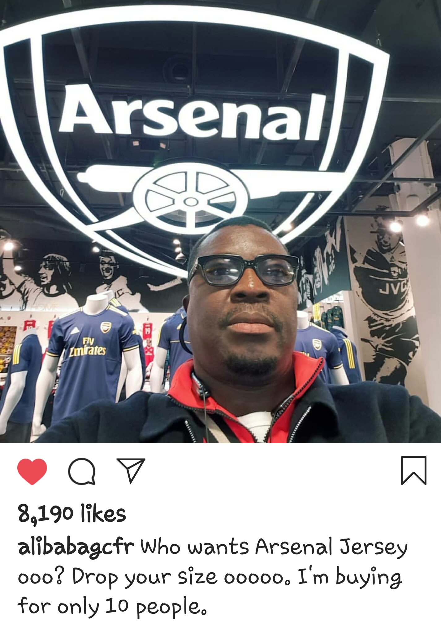 Comedian Alibaba enjoys his time abroad as he visits the  Arsenal dressing room