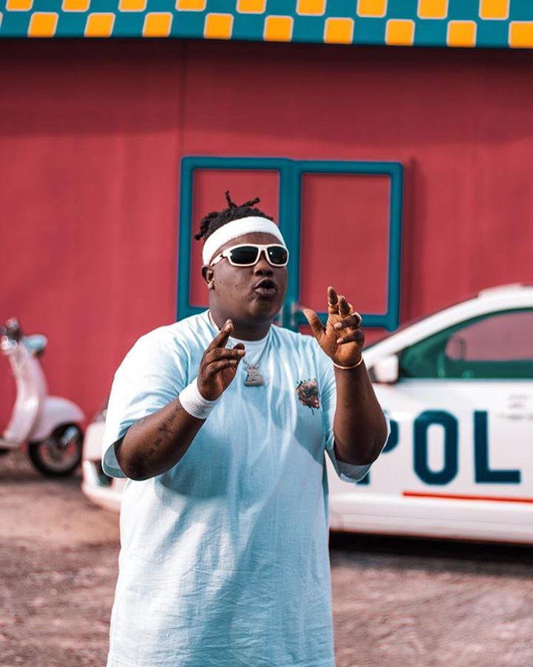 Barry Jhay reacts to davido's dubai enjoyment (photos)